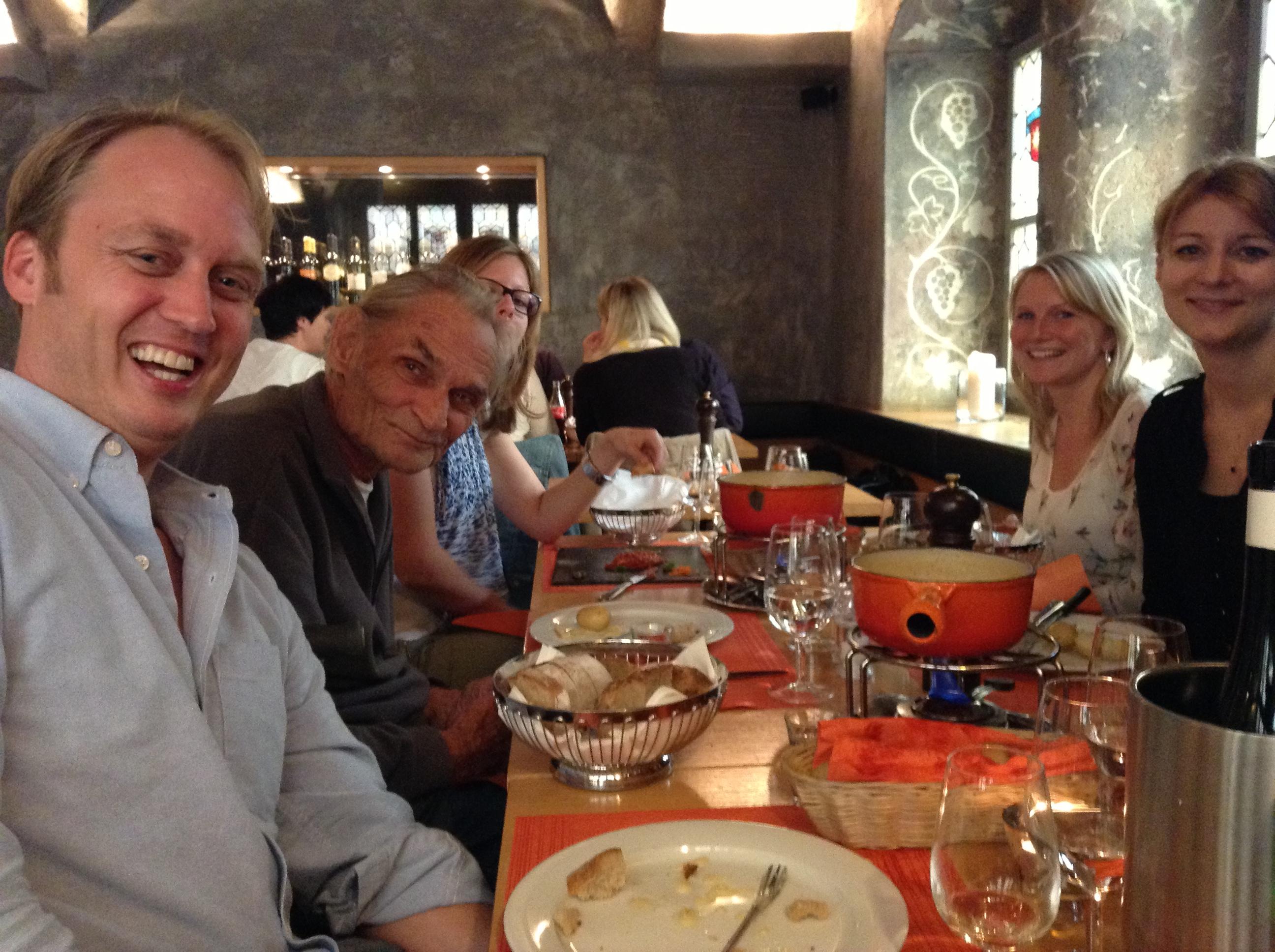 Otto Hegnauer beim Fondue mit Idealizer Team
