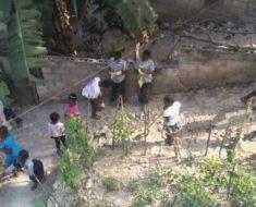 Une école propre dans un quartier propre